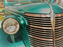 blue Chevy grille, contrast